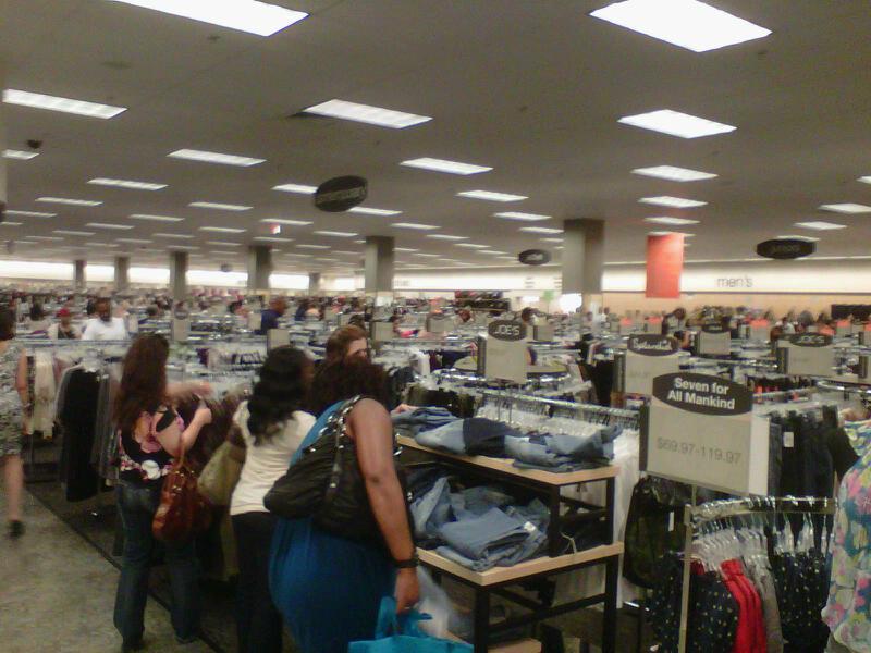 Pentagon City Shoe Store