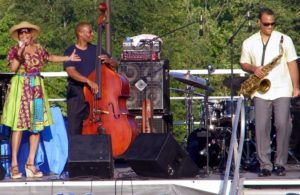Dee Dee Bridgewater at Rosslyn Jazz Festival 2011 (photo by Runneralan2004)