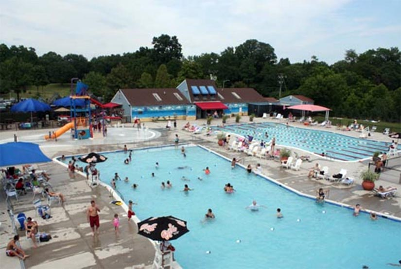 Upton hill to host 39 world 39 s largest swimming lesson - Pools on the park swimming lessons ...