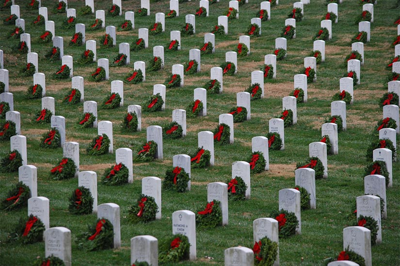 Arlington National Cemetery Warns Of Big Crowds For Wreaths