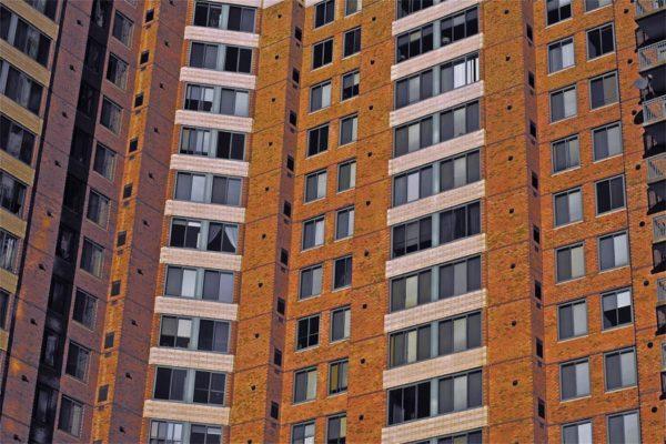 Ballston apartment building by Wolfkann