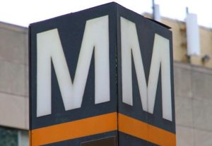 Metro logo on an Orange Line station