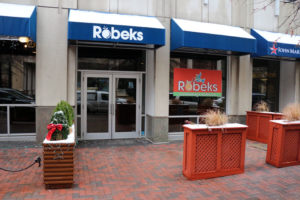 Robeks in Courthouse closes