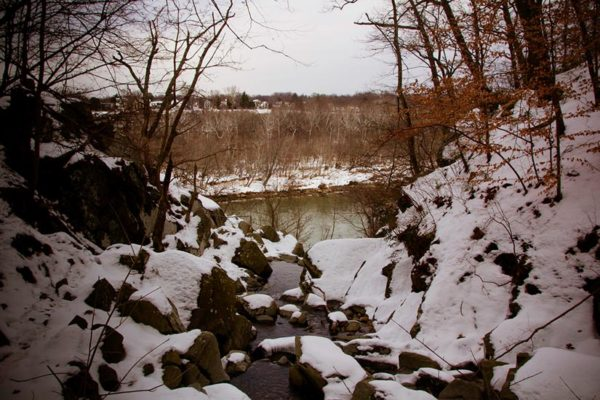 Snow overlooking the Potomac (Flickr pool photo by lifeinthedistrict)