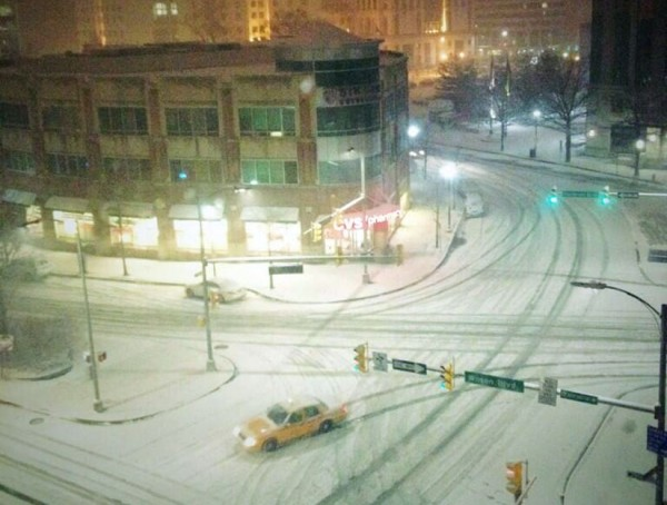 Courthouse snow (Photo courtesy @mindpivot)