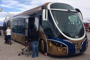 Streetcar-like bus in Las Vegas (photo via Twitter)
