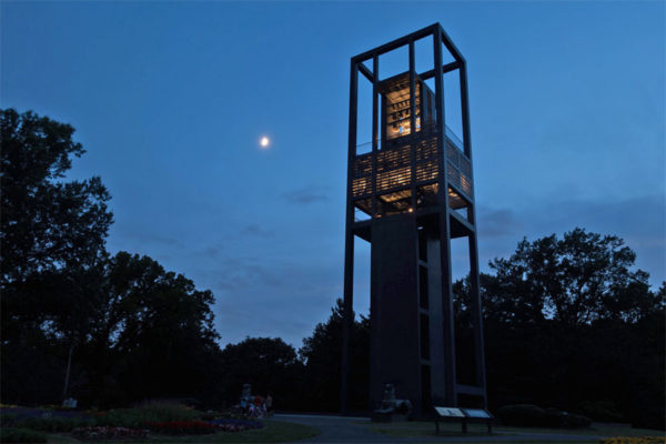 The Netherlands Carillon at dusk (Flickr pool photo by thekidfromcrumlin)
