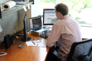 DescribeIt CEO Ryan Yanchuleff works in his Courthouse office