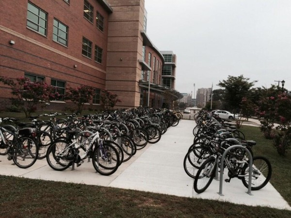 Student bike stand at Washington-Lee High School (photo courtesy @mikematyas)