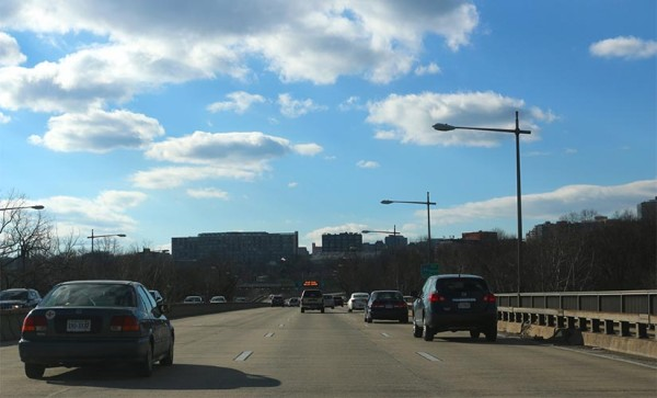 Driving over the Roosevelt Bridge on I-66 (Flickr pool photo by Brian Allen)
