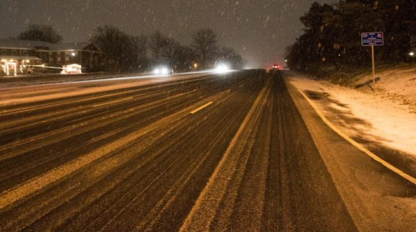 Snow on Route 50 in Arlington at 6:00 a.m. (photo courtesy J. Sonder)