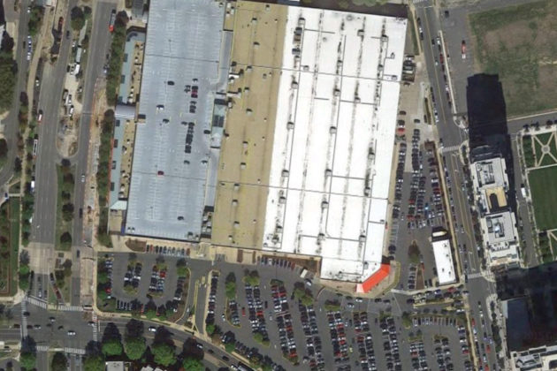 Satellite image of the Costco surface lot and largely vacant roof parking lot (photo via Google Maps)
