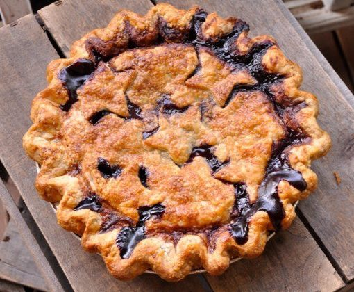 Blueberry pie from Livin' the Pie Life