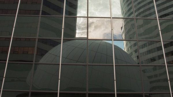 Reflection of the Artisphere dome in Rosslyn (Flickr pool photo by TheBeltWalk)
