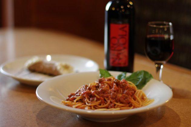 Spaghetti alla Bolognese at Joe's Place Pizza & Pasta