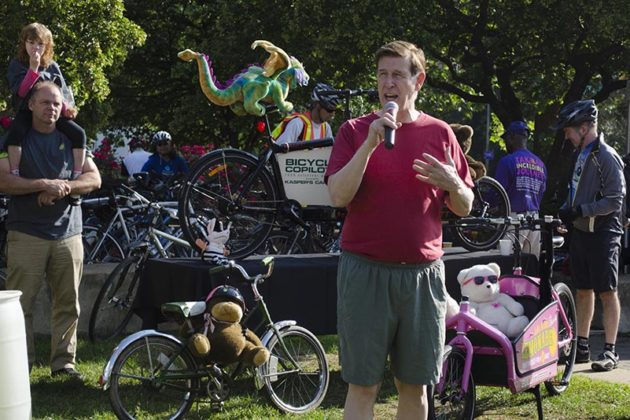Congressman Don Beyer delivers a speech at the Rosslyn pit stop