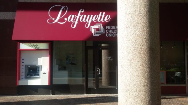 Lafayette 1-825