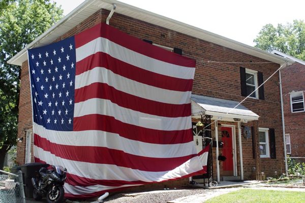 """Biggest residential American flag in Arlington"" near Columbia Pike"