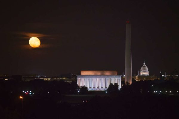 Full moon as seen from Arlington (Flickr pool photo by Angela Pan)