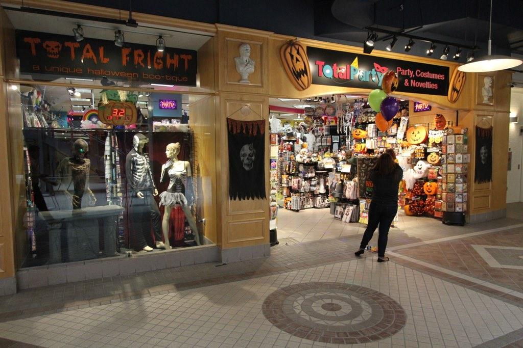 Halloween Planet | Oxnard Next To Red-Lobster |Halloween Store