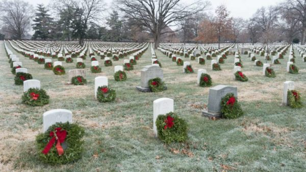 Wreaths on gravestones at Arlington National Cemetery 2016 (Flickr pool photo by John Sonderman)