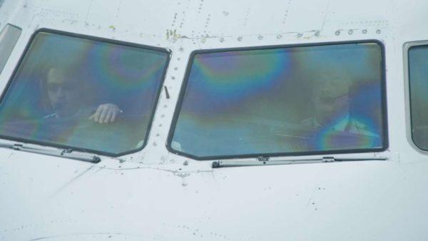 Pilots in the cockpit at DCA (Flickr pool photo by John Sonderman)