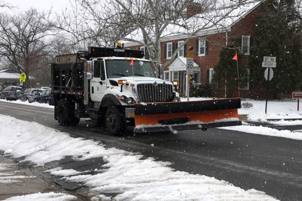 Arlington County snow plow in Fairlington 3/14/17