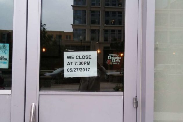 Applebee's closed in Ballston (photo courtesy Phil McGeehan)