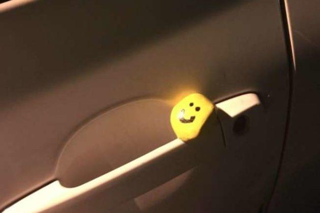 Smiley face rock hidden in Fairlington (photo courtesy Jennifer Pearce/Facebook)