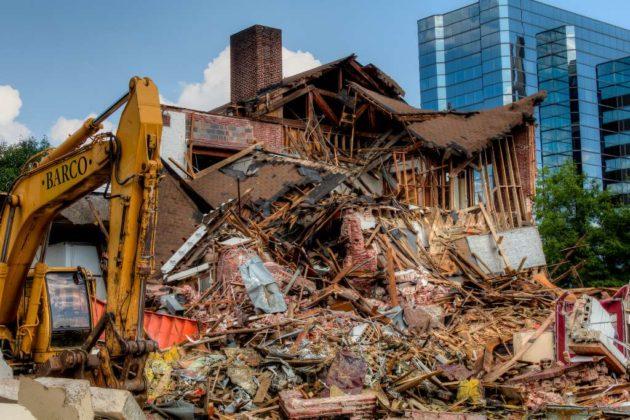 Demolition of Wilson School in Rosslyn (Flickr pool photo by Jason OX4)