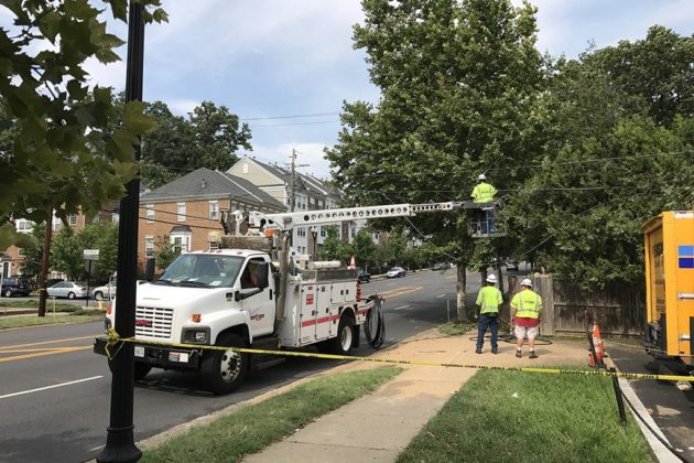 Verizon Wires Down | Traffic Alert Downed Utility Lines Close Section Of Columbia Pike
