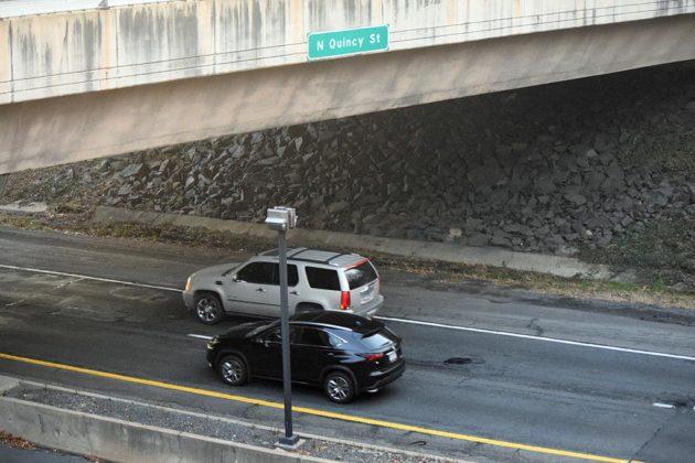 Traffic on eastbound I-66 near Washington-Lee High School