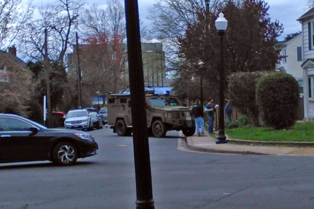 Virginia State Police SWAT team action in Arlington Heights (photo courtesy Sarah T.)
