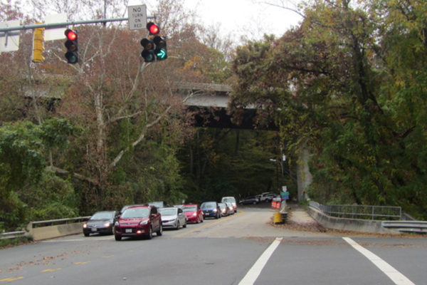 Expect Delays Heading to and From Chain Bridge