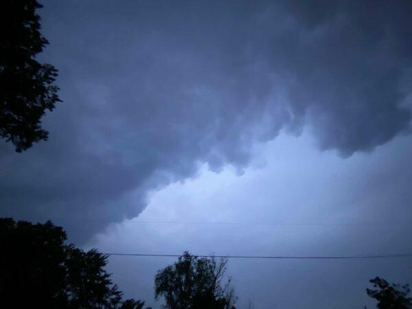 Arlington Under Severe Thunderstorm Warning